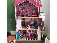 Dolls house with bits