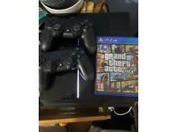 PS4 gta and 2 controllers