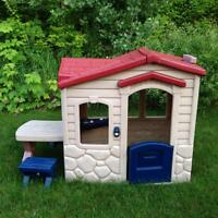 "Little Tikes ""Picnic on the Patio"" Playhouse"