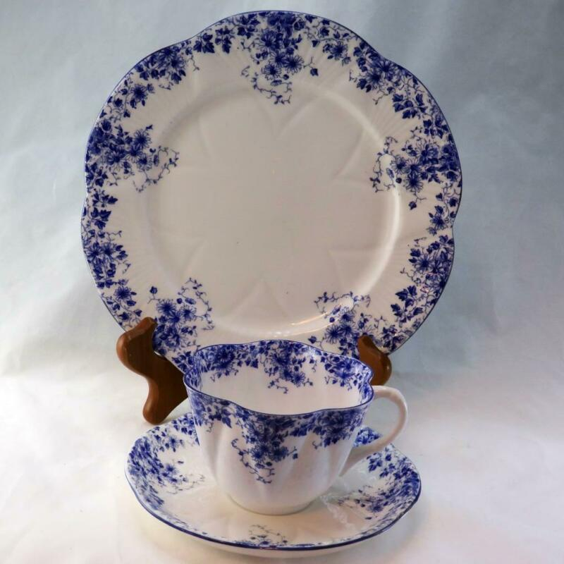 "Vtg Shelley ""Dainty Blue"" Dainty Shaped Cup, Saucer & Plate Trio #051/28"