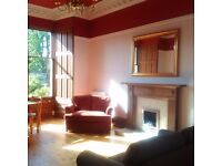 A BRIGHT & SPACIOUS PERIOD 2 DOUBLE BEDROOM FURNISHED FLAT WITH PRIVATE GARDENS