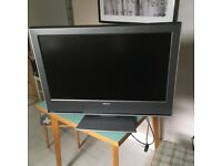 Toshiba 32WLT66 - 32 Inch 720p 1080i HD LCD Television