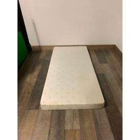 Single bed base and mattress