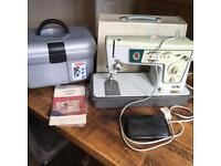 Singer 466 sewing machine & accessories