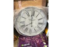 Large battery operated clock
