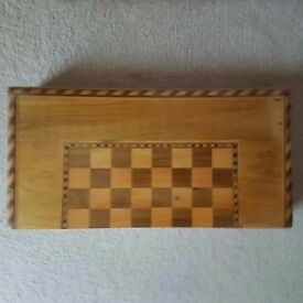 USE WOODEN BACKGAMMON