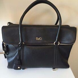 Authentic D & G Lily Twist Black Grain Leather Large Bag