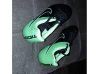 Black & Green Nike Boys Football Boots Size 5 uk