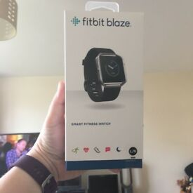 New FITBIT Blaze Sports watch - Plum with Touchscreen and Water resistant Large Size £120