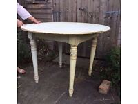 Shabby Chic Round Dining Table Seats 4