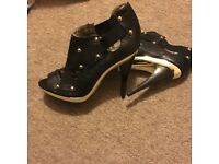 Dereon by Beyoncé Gold and black stud heels Size 8