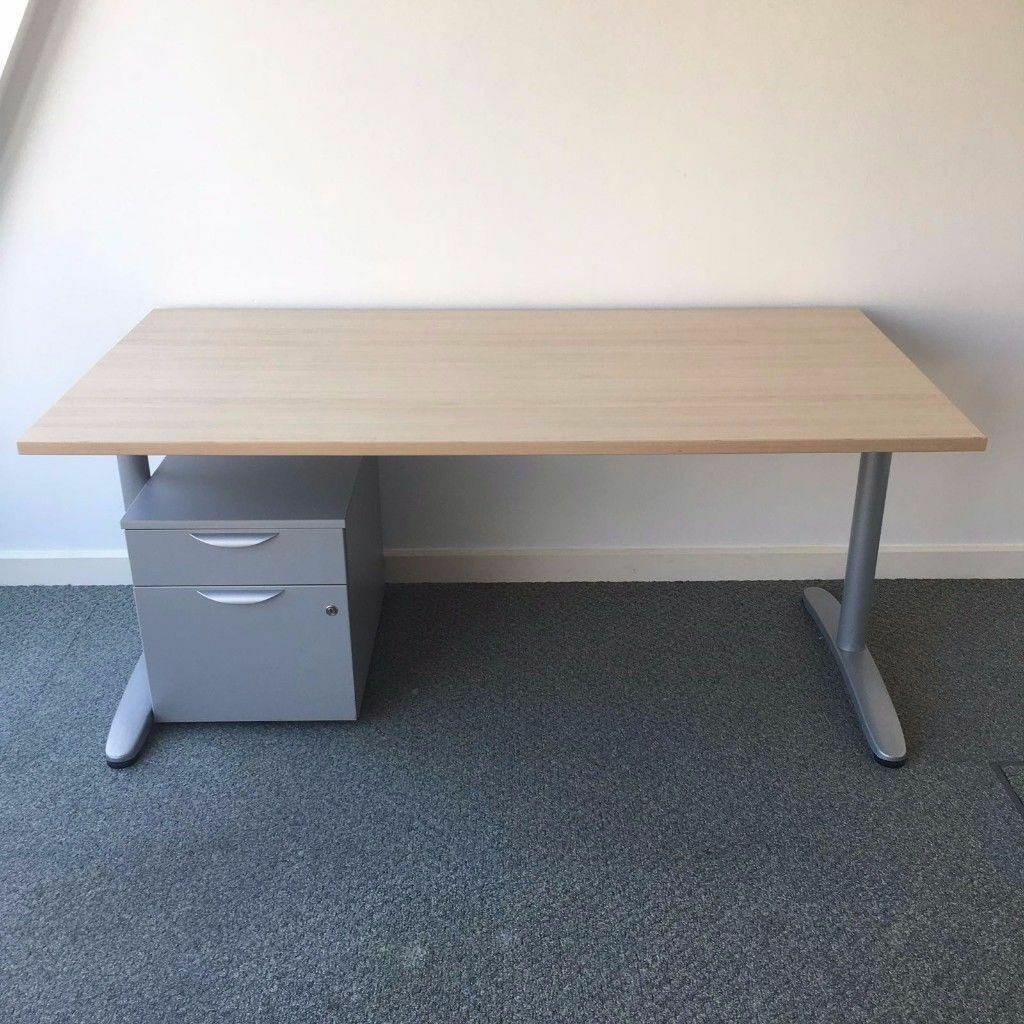 Maple Office Desks And Drawers Job Lot Clearance