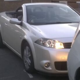 Renault Megane, Real eye catcher, In Pearl White, Grey Leather Int, PX with Mini Covert, & Cash ?