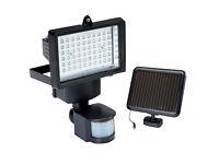 New Solar Floodlight+PIR Motion Sensor 60xLEDs Security Light Garden Garage Driveway, No Mains Power