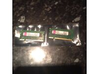 2 x 1 gig sticks of Kingston DDR2 SODIM laptop memory matched pair