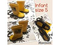 Bundle of boys shoes / wellies / slippers size 5 infants