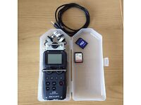 ZOOM H5 HANDY PORTABLE RECORDER + 32GB SD CARD STEREO MICROPHONES XY Perfect Condition w/ CASE!!!
