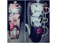 Tea pot & 2 cup Next