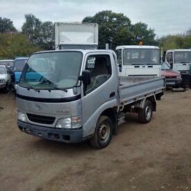 Left hand drive Toyota Dyna D4D 2.5 TD 3.5 Ton single wheel truck.