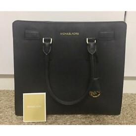 A MICHAEL KORS 'Large Mercer' Tote