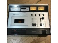 MUST GO Vintage cassette tape player