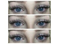 Eyelash extensions technician. Offering volume and classic eyelash extensions