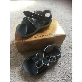 Sun san salt water toddlers sandals size UK 5