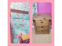 Double pine bed & 2x bedside lockers