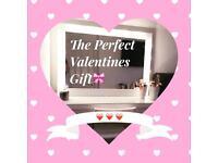 Valentines Hollywood Mirror