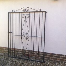 2 Black wrought-iron gates for a drive (1.93 x 1.5 metres each)