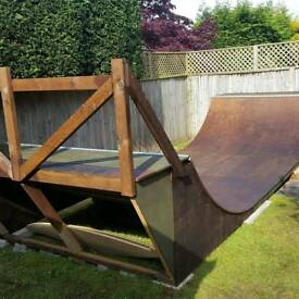 Mini Skateboard Ramp