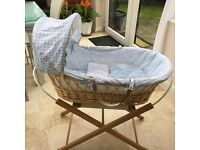Moses Basket with foldaway stand