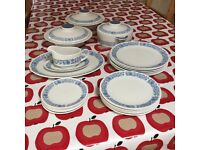 Royal Doulton China tablewear – Cranbourne dinner service.