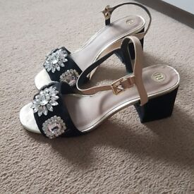 River island sandals size 7 worn once