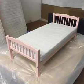 Girl small bed