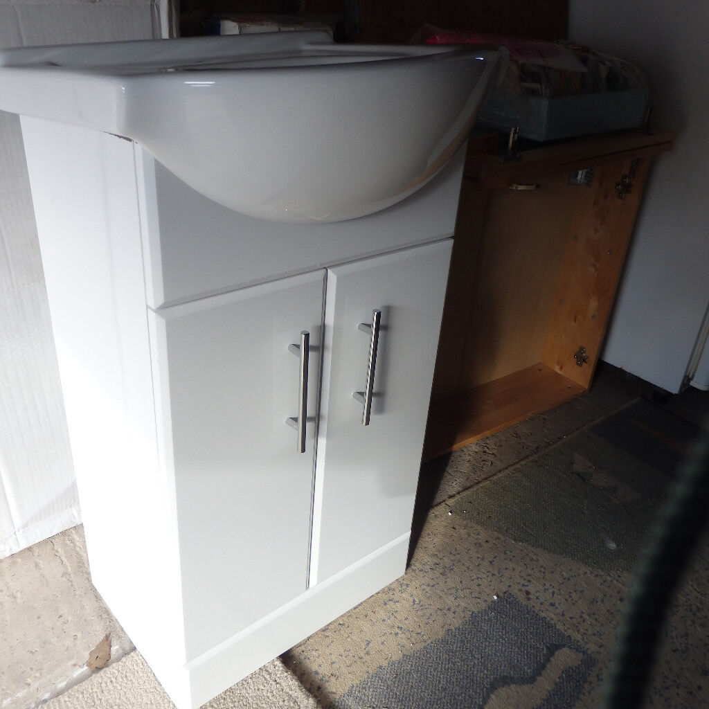 Bathroom Sinks Gumtree small bathroom sink and cabinet | in horsforth, west yorkshire