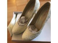 Rainbow club shoes size 4