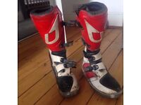 KIDS/MENS Size 6 Motorcross Motorbike Racing Boots DELIVERY AVAILABLE LOADS OF LIFE LEFT