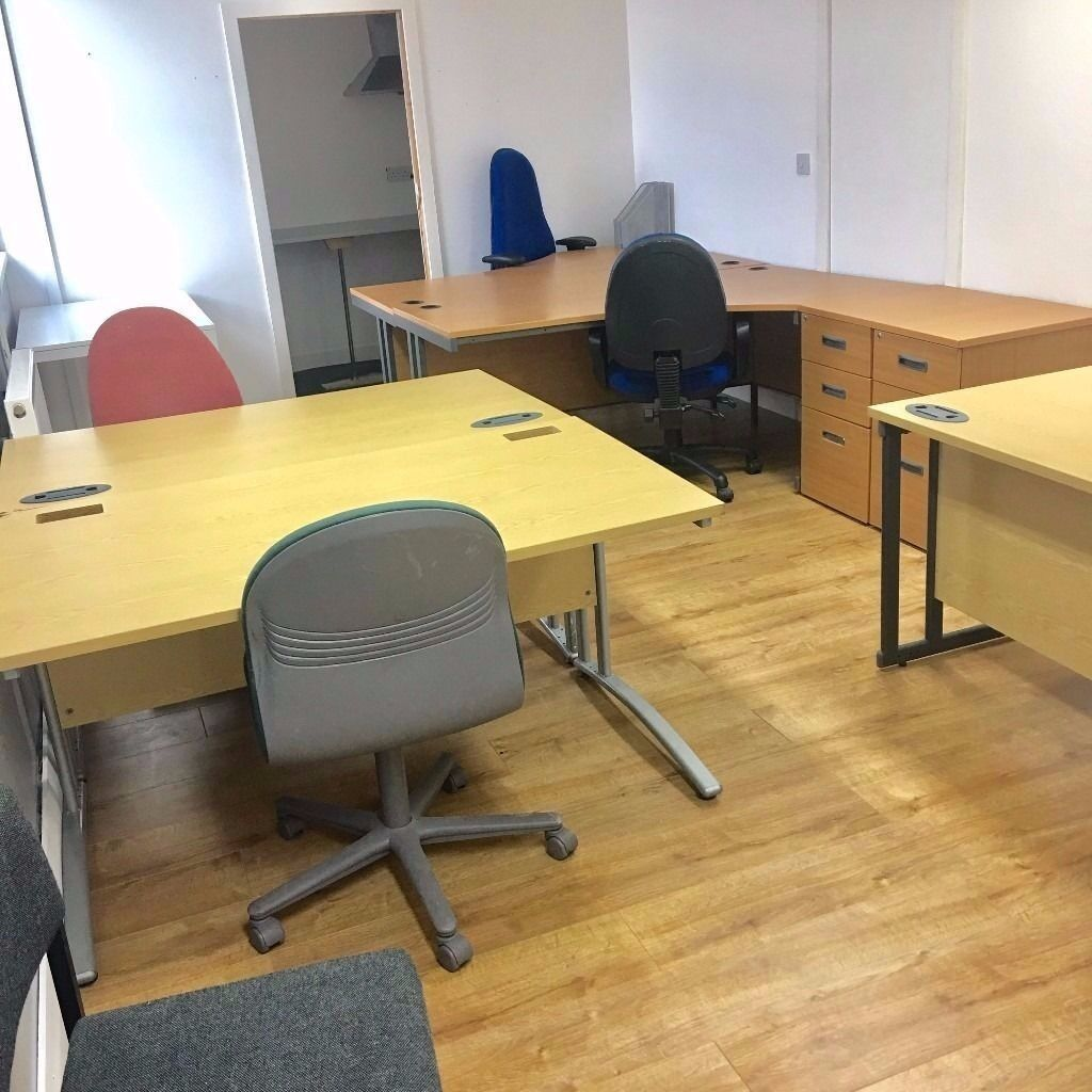 ***OFFICES WITH CAR PARKING - M606 & M62***