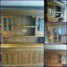 Beautiful lrg dresser