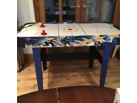 4FT ELECTRIC AIR HOCKEY TABLE COST. £80 BARGAIN. £25