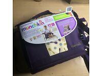 MUNCHKIN Travel/Booster seat child/toddler