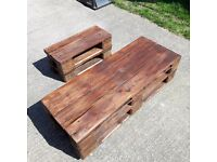 small stoll from pallets