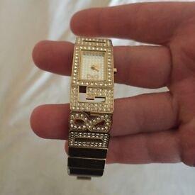 i sell very nice watch 100 % original D&G