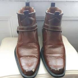 Mens cowboy boots Size 9