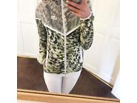 ❤️Women's Nike Running Jacket - Impossibly Light, Green, Size XS