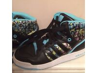 Adidas ladies trainers - UK size 6