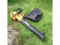 Garden Blower and Vacuum, Von Haus 2800W, 45litre bag and shoulder strap