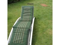 SUNLOUNGER LIGHTWEIGHT EASY TO STORE GARDEN SUNBED WITH PADDED MATTRESS
