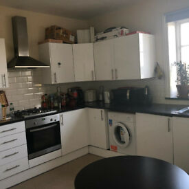 Spacious Single Room near Finchley Central Station £500pm Including all Bills